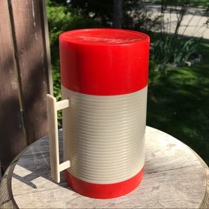 Vintage 70s Aladdin Thermos - Red and Beige 16oz